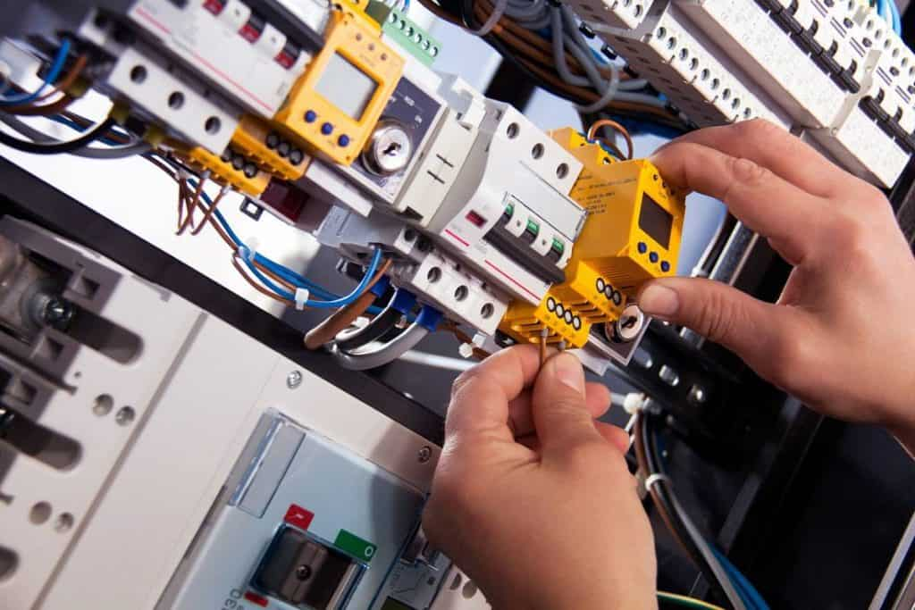 Be Renovative - electric wiring, helping to make house / apartment renovation simple, practical and fun