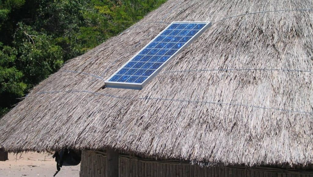 Be Renovative - solar panels on rooftop, helping to make house / apartment renovation simple, practical and fun